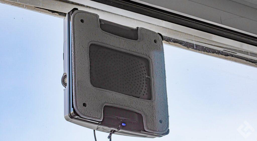 nettoyage de vitre avec le hobot 2s